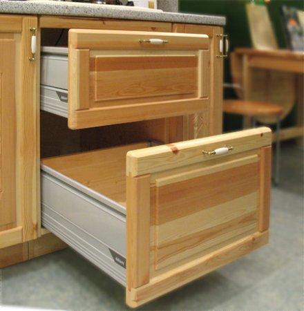 Выдвижная кухонная тумбочка