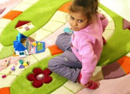 Як правильно вибрати килим для дитячої