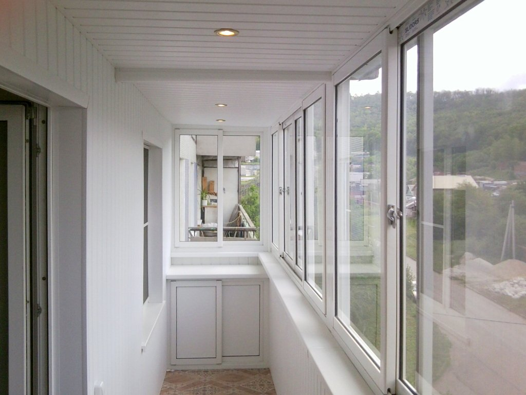 Остеклить (застеклить) балкон и лоджию во владивостоке.