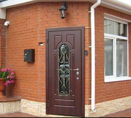 Дверь входная для загородного дома: некоторые тонкости выбора