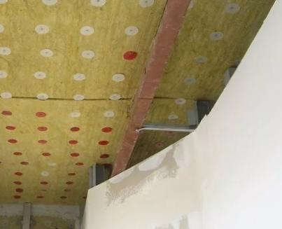 Как обеспечить звукоизоляцию потолка
