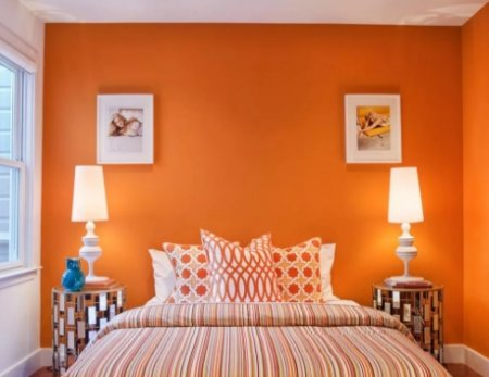 Спальня в оранжевом цвете