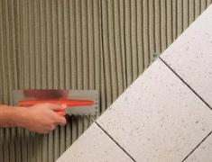 Сухие клеевые смеси для плиточных работ, виды, область применения