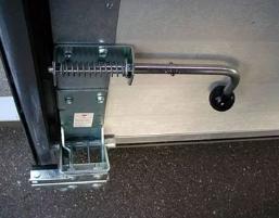 Запирающие механизмы для ворот и дверей