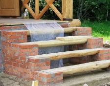 Как превратить деревянное крыльцо в кирпичное?