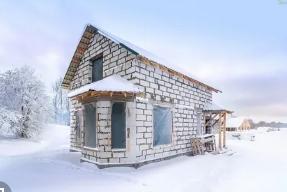 Строительство дачного дома зимой