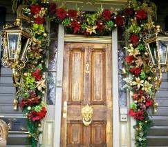 Украшение дома красивыми дверями